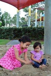 bawiące sie dzieci